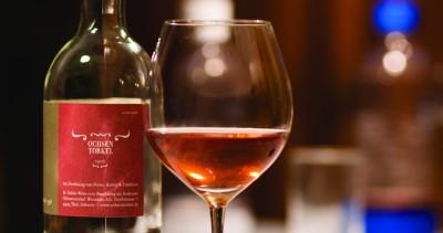Wein aus dem eigenen Rebberg (Foto: Livia Eichenberger)