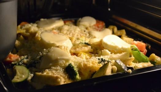 Herzhaftes aus dem Ofen: Gemüse-Spätzli Auflauf