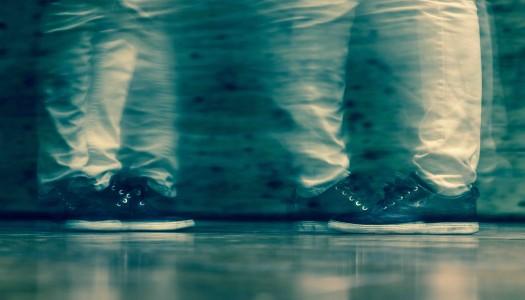 Zwischen Selbstbefreiung und Zwang: Leben mit Ticks und Macken